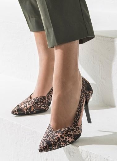 Elle Topuklu Ayakkabı Leopar